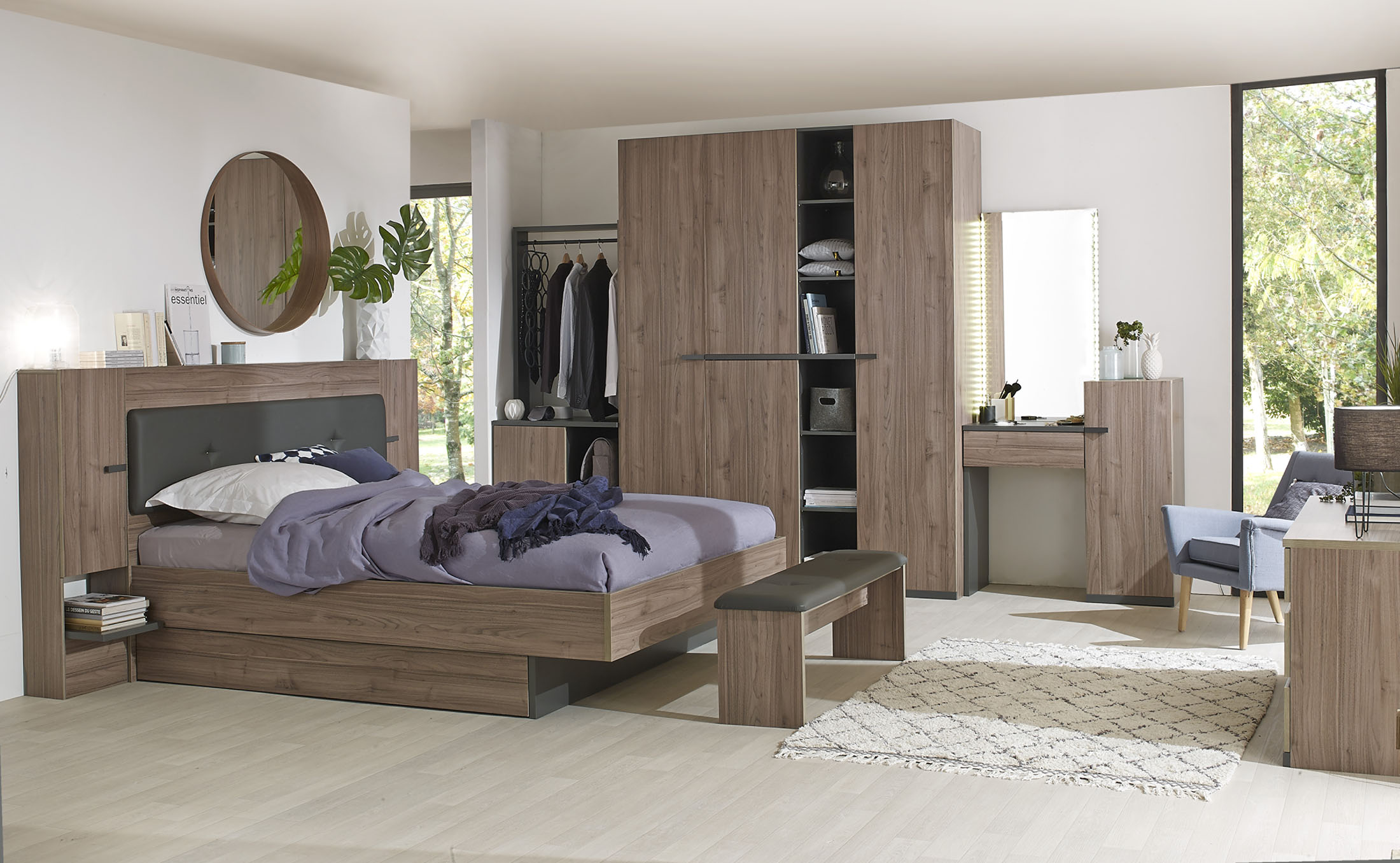 ambiance photo - réalisation d'une ambiance de chambre avec lit, armoire et commode